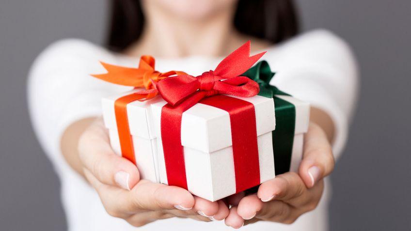 Risultati immagini per regalo