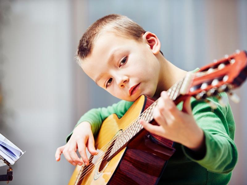 chitarra-bimbo2